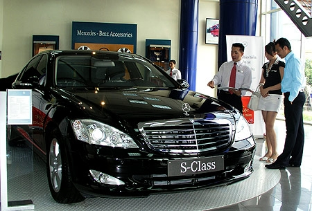 Poor auto sales see tax figures spin out