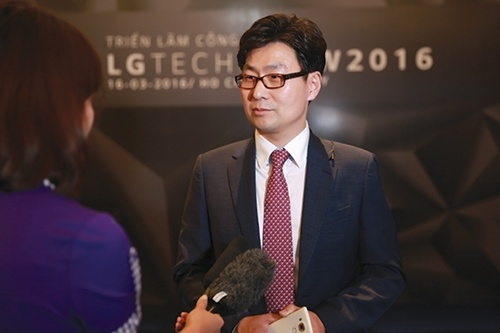 LG Electronics rubbishes reports of stopping smartphone sale