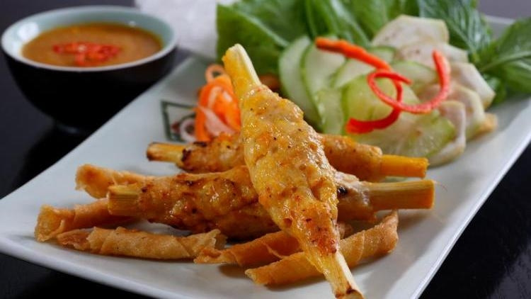 Grilled shrimp paste on sugar cane - a delicious dish of Hue
