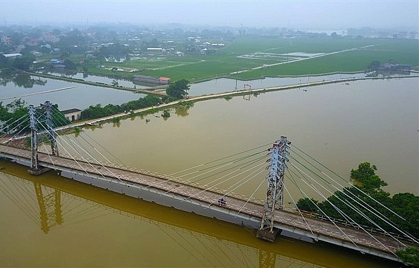 Hanoi mulls mass evacuation due to floods
