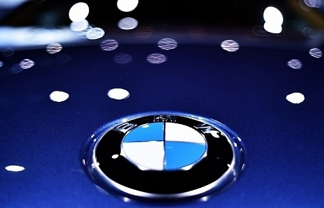 BMW to recall 323,700 diesel cars over fire danger