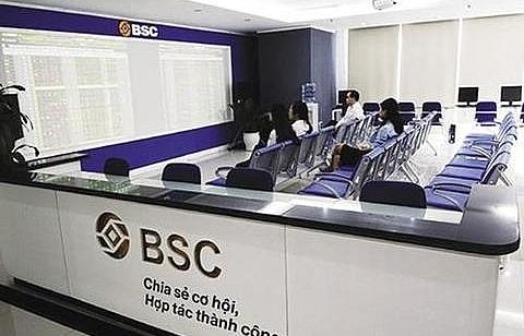 VN stocks extend rally on HAGL-Thaco deal