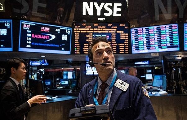 European stocks, dollar wobble before US-China trade talks