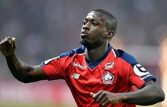 Arsenal sign Lille winger Nicolas Pepe for club record fee