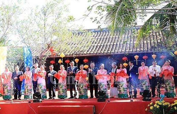 Vietnam-International Silk and Brocade Festival opens in Quang Nam