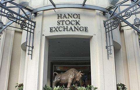 VN stocks fall on increased selling pressure