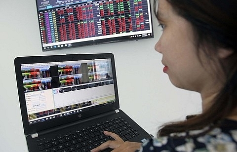 Shares gain on strong cash flow