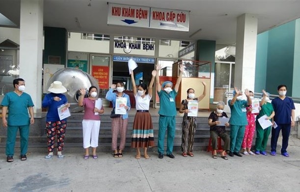 Seven more COVID-19 patients discharged from hospital in Da Nang