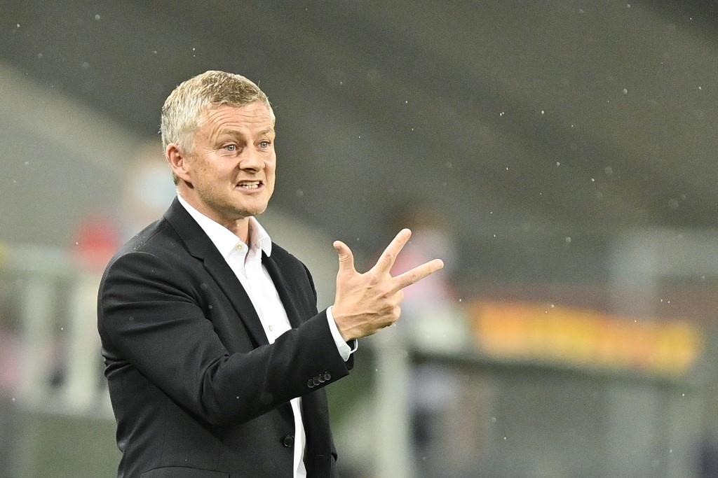 Solskjaer eyes signings as Sevilla punish wasteful Man Utd