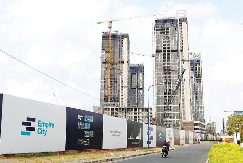 1505p21 luxury accommodation reaches peak price level