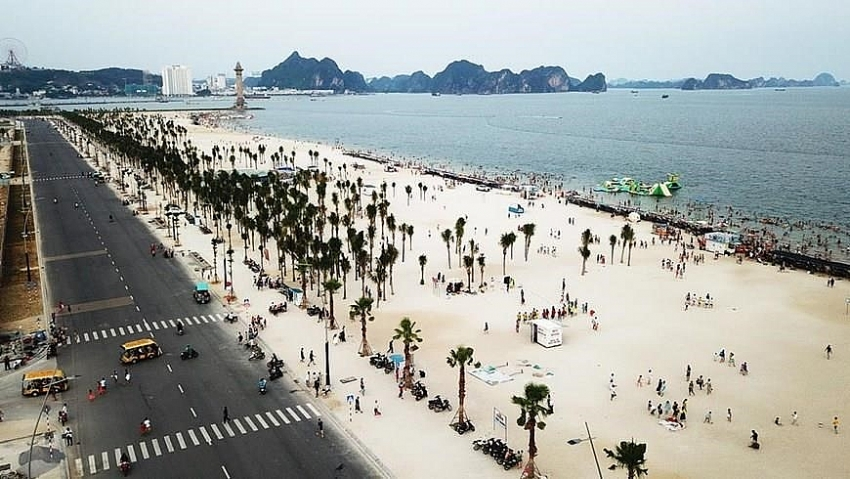 ha long bay says no to plastic waste