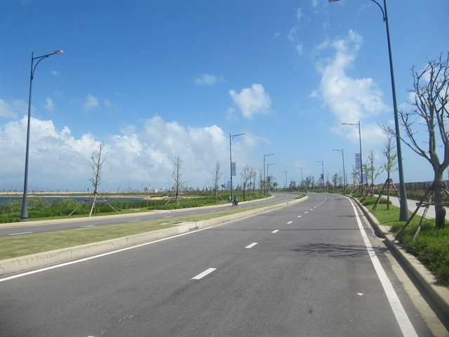 A road in the suburbs of Hoi An ancient town in Quảng Nam Province. VNS Photo Cong Thanh