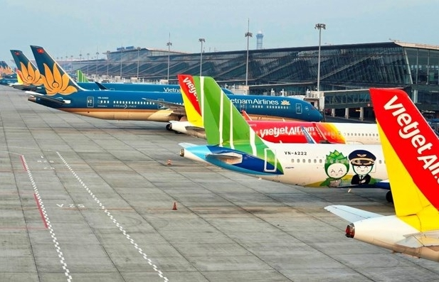 CAAV proposes halting flights between localities applying social distancing