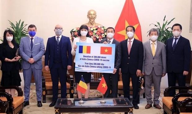 At the handover ceremony (Photo: VNA)