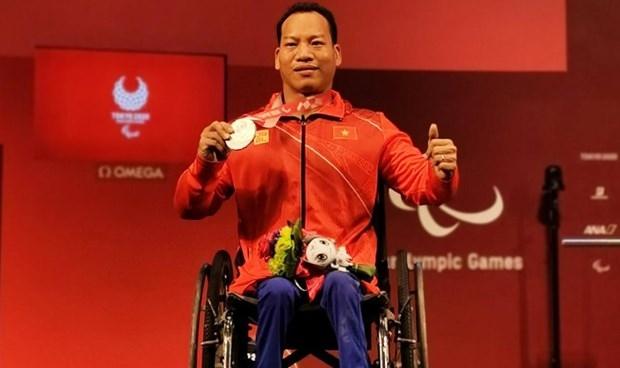 Powerlifter Le Van Cong wins silver at Tokyo 2020 Paralympics
