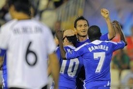 Late penalty denies Chelsea at Valencia
