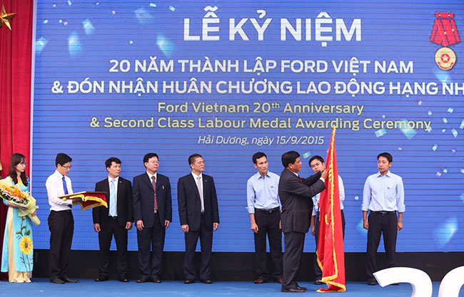 ford vietnam celebrates 20th anniversary
