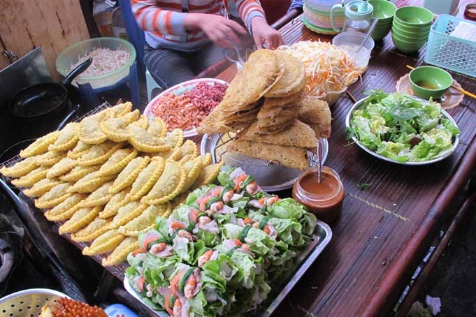 Cheap but delicious cuisine in Hanoi