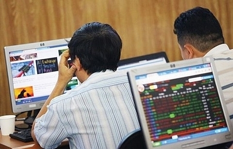 vietnam stocks mixed liquidity rises