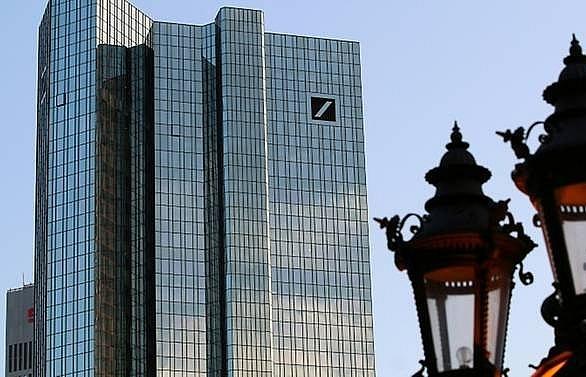 German supervisor raps Deutsche Bank over money laundering