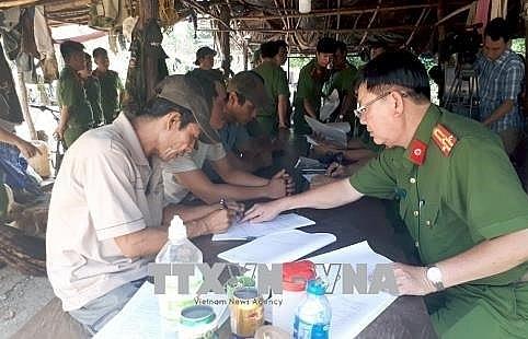 Head of mobile ranger team admits receiving bribe