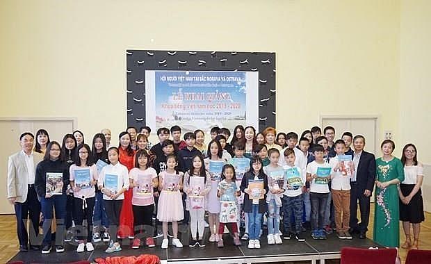free vietnamese language course held in czech republics city