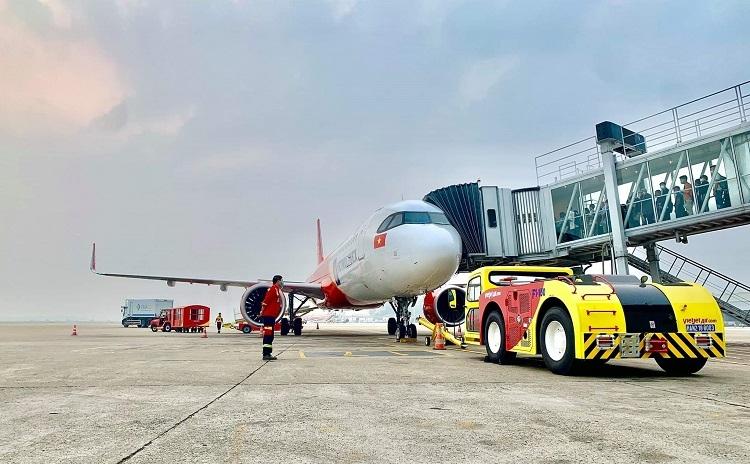 vietjet kicks off self handling ground operations amid pandemic