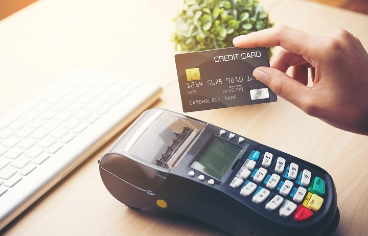 Banks bet on consumer credit growth
