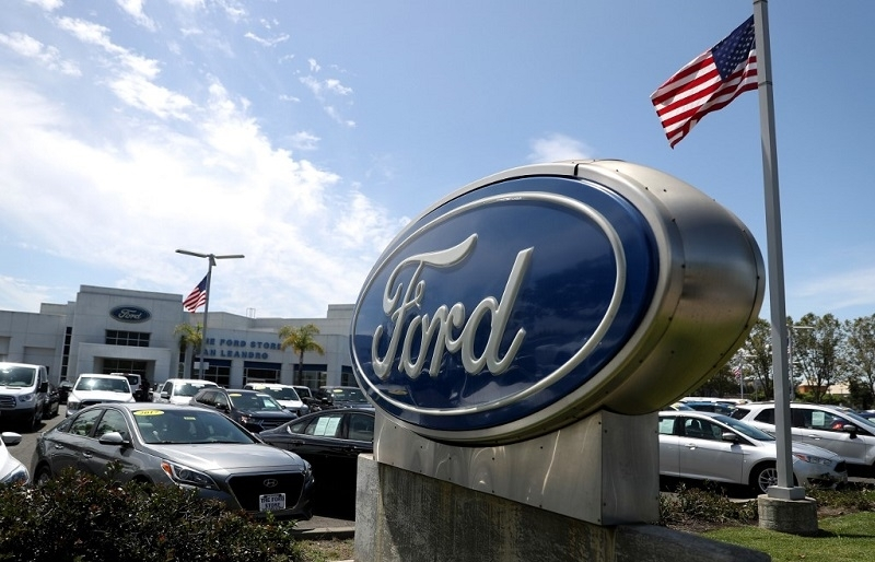 Ford reaches deal with Canadian union, averting strike