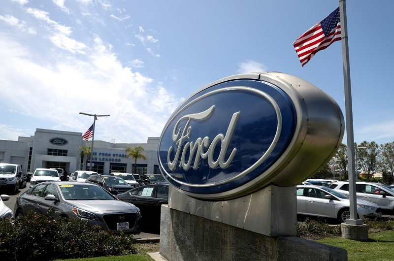 ford reaches deal with canadian union averting strike