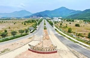 Da Nang industrial zones remain open during lockdown
