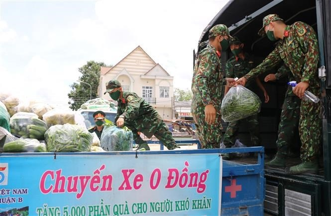 Military forces enthusiastically helping people amid Covid-19 pandemic