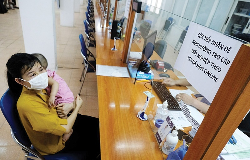 Vietnam Social Security awaits go-ahead to remove insurance issues for labourers