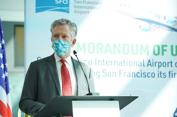Ivar C. Satero, Airport Director of the SFO speaks at the Signing Ceremony of the Memorandum of Understanding with Bamboo Airways.