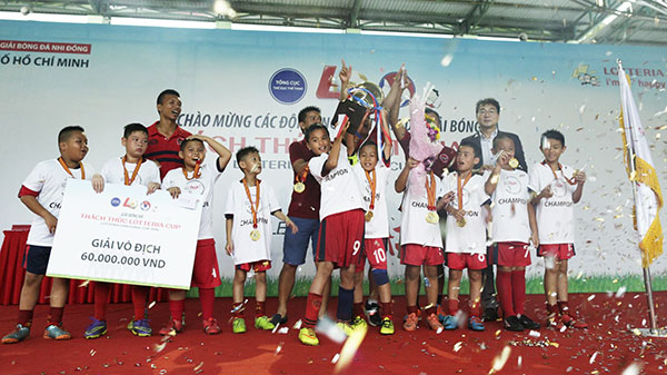 Fast food chain Lotteria wraps up children football league