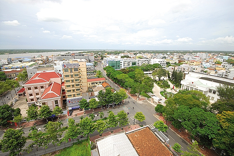 vinh long striving to become best place to invest