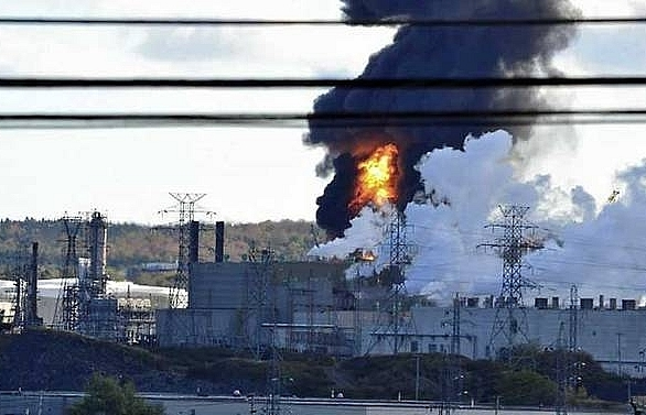 Explosion and fire at Canada's largest oil refinery