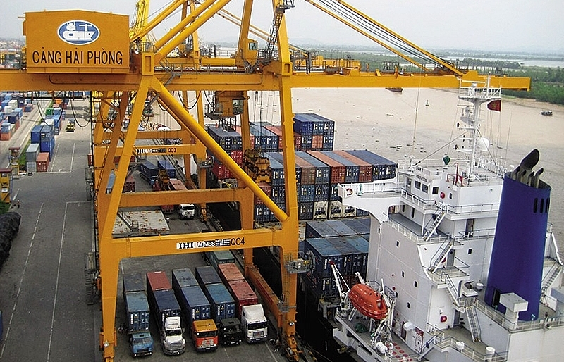 """""""Significantly lower"""" port charges set to rise"""