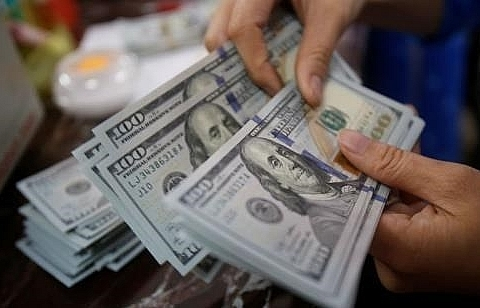 Reference exchange rate up 2 VND on October 8