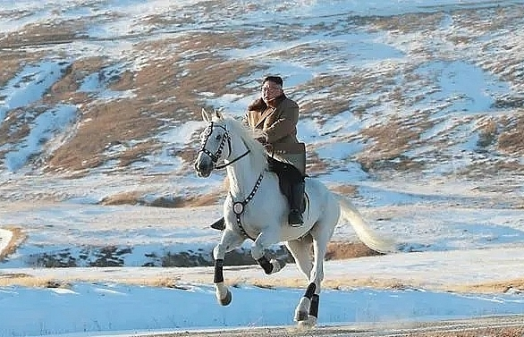 Kim Jong Un's ride up sacred mountain spurs speculation of policy shift