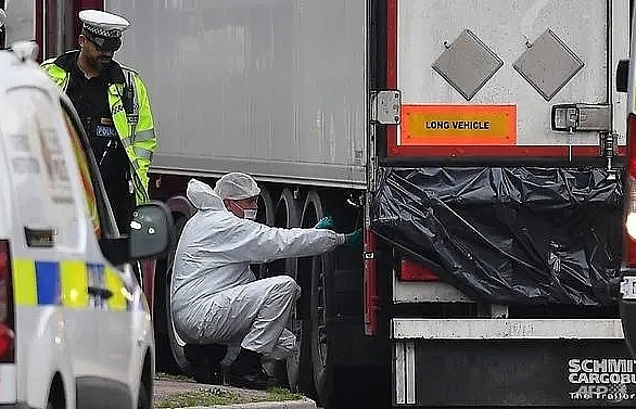 39 people found dead in truck near London were Chinese: UK police