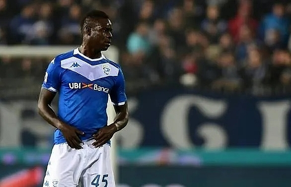 Balotelli fails to stop Inter Milan going top of Serie A