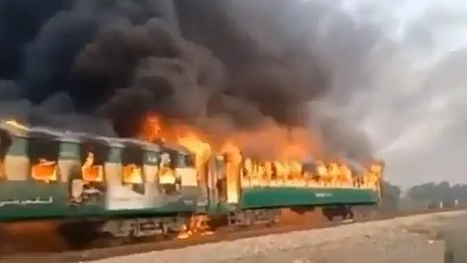 at least 71 killed dozens injured after train fire in pakistan caused by cooking accident
