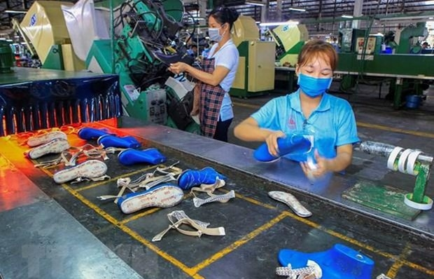 Labour market posts signs of recovery in Q3
