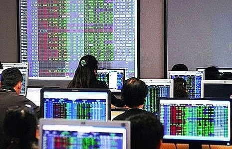 Shares climb on strong cash flow