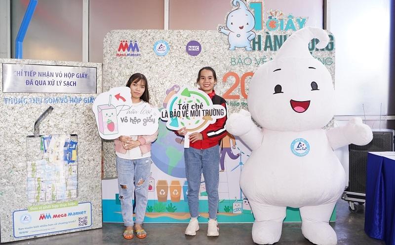 tetra pak and mm mega market team up to collect used beverage cartons at supermarkets