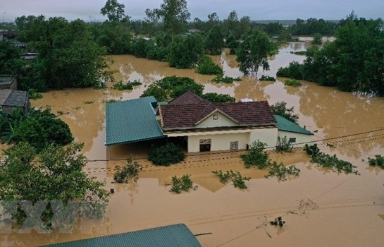 PM decides to provide 5,000 tonnes of rice for flood victims in central region