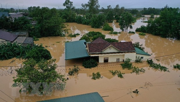 pm decides to provide 5000 tonnes of rice for flood victims in central region