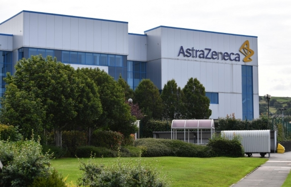 astrazeneca johnson johnson covid 19 vaccine trials back on track in us