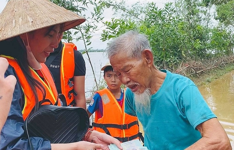 Help at hand for flooded provinces